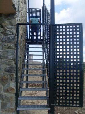 escaleras-con-barandilla-1-scaled